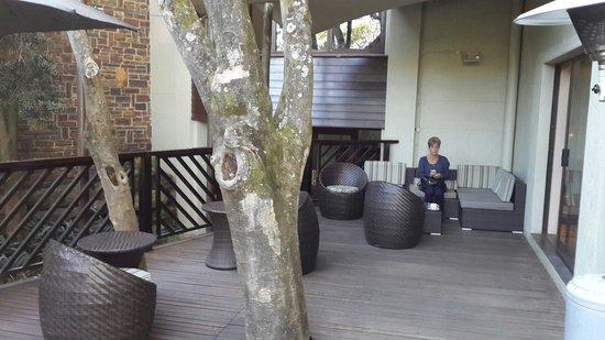 Drakensberg Sun Resort: Stunning outside seating area