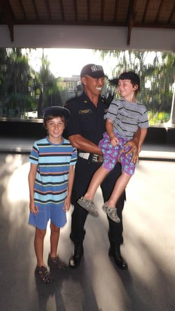 Padma Resort Legian: Kids love all the security guards. So friendly.