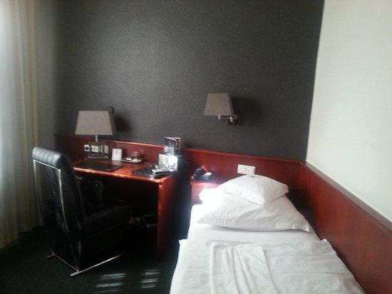 Lindenhof Hotel : la stanza singola super accogliente