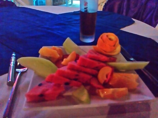 Gumbet Beach Resort Boutique Hotel: fruit plate