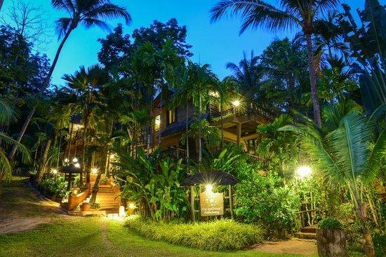 The Spa Resort Koh Chang: Landscape at night