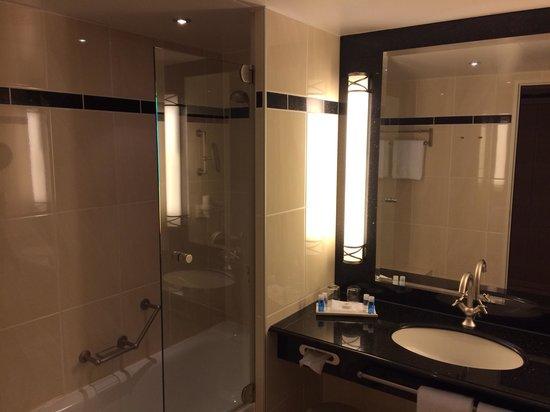 Maritim Hotel Dresden: Neues Bad