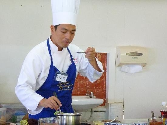 Sandwich Me : My previous job, Thai cooking instructor