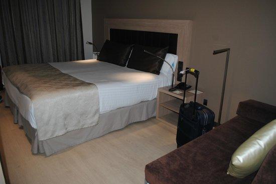 Catalonia Atenas Hotel : Camera