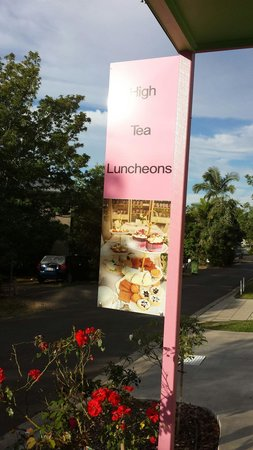 High Tea Licious Cafe: Out front