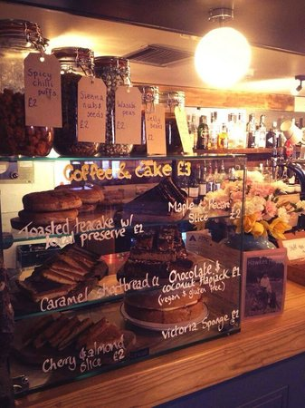 Hawkes House: Reasonably priced cakes