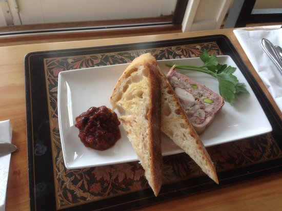 Tyabb, Австралия: Chicken and Pork Terrine with Tomato & Pepperberry Chutney