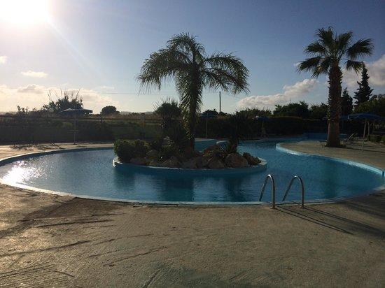 Blue Bay Beach Hotel: Secret pool for kids