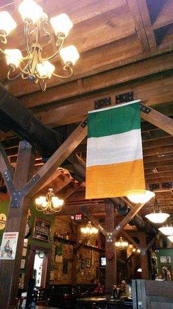 Four Daughters Irish Pub: Downstairs