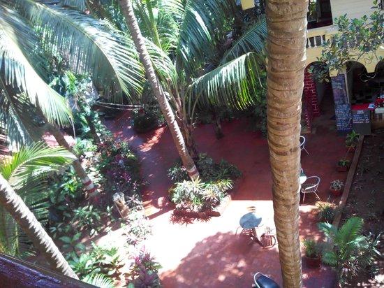 Villa Fatima Beach Resort: Open air restaurant.