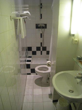 Hotel Amarys Simart: Ванная комната