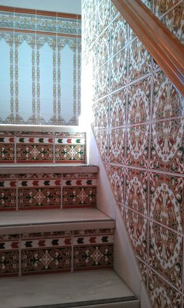 Hostal Tarik: beautiful tile stairs