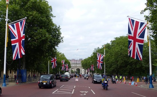 The Mall - view towards Admiralty Arch