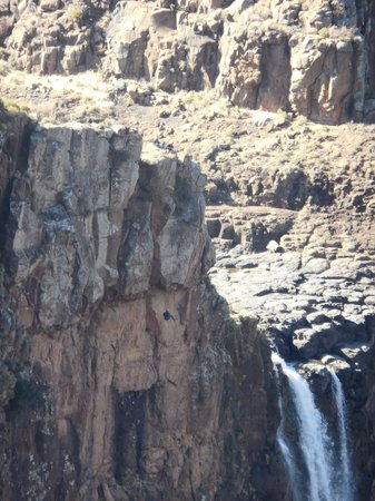 Semonkong Lodge: abseil
