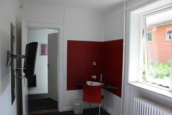 Copenhagen Go Hotel: Inside room