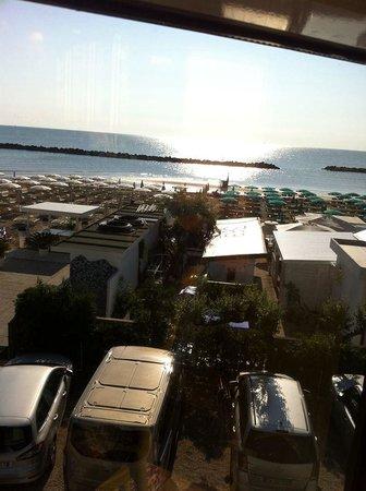 Club Family Hotel Palace Lido: sala da pranzo vista mare