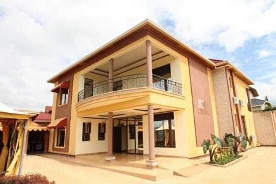 Kigali Guestlux Hotel: Outside