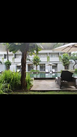 The Oasis Kuta : Oasis Kuta - view from ground floor room