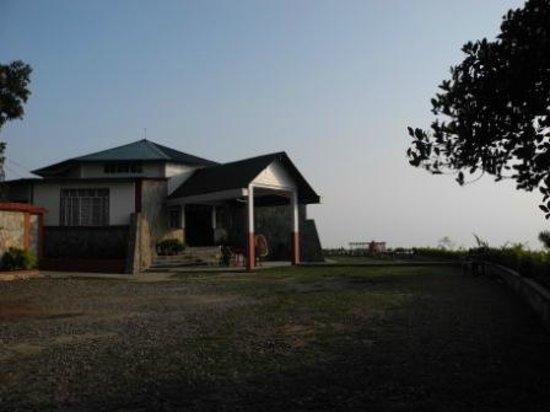 Cherrapunjee Holiday Resort: View of hotel