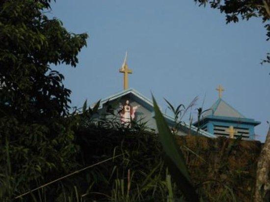 Cherrapunjee Holiday Resort: Church next to the resort