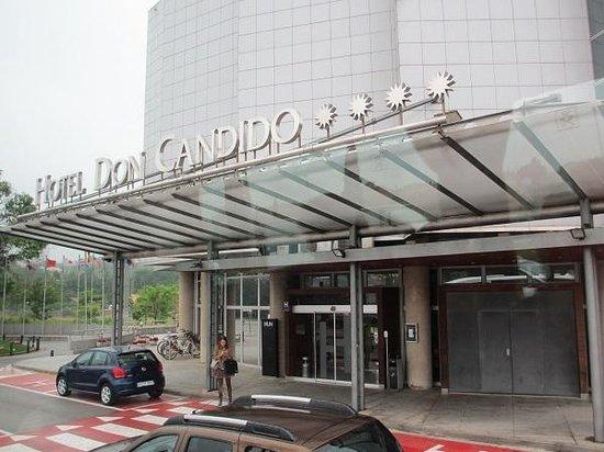 Don Candido Hotel: ホテル・エントランス