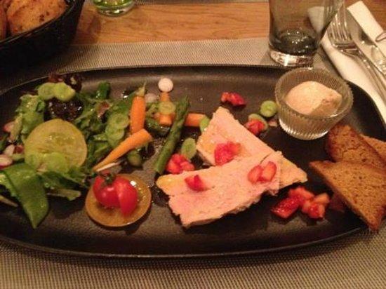 Le Cerf a Moustache : Entrées - Foie gras, légumes sautés fraises & pain d'épices
