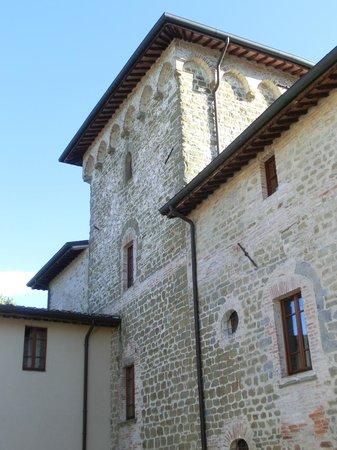 "Villa Giardino: la torre ...""delle Bege"""
