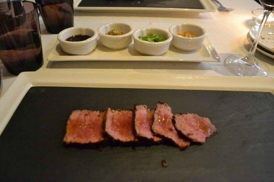 Restaurant Montiel: Wagyu beef with condiments