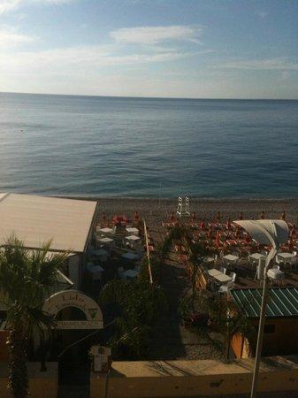 Maniel Beach Hotel: panorama dalla camera