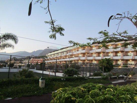 Holiday Village Tenerife: Grounds