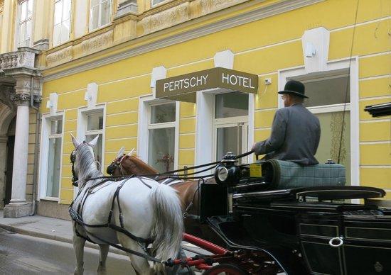 Pertschy Palais Hotel  - Eingang