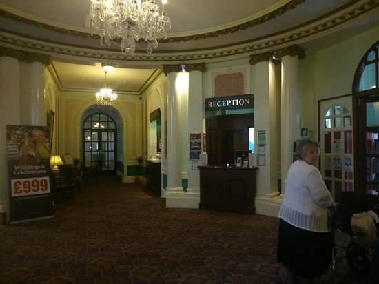 The Grand Hotel - Llandudno: RECEPTION