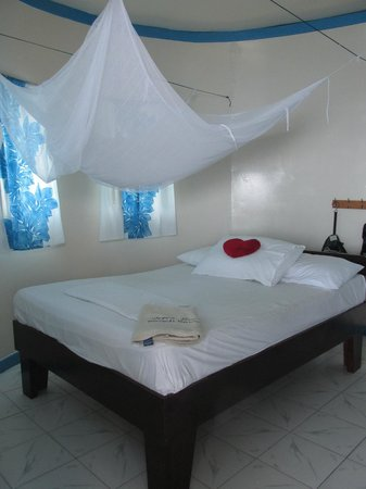 Litia Sini Beach Resort : Bed