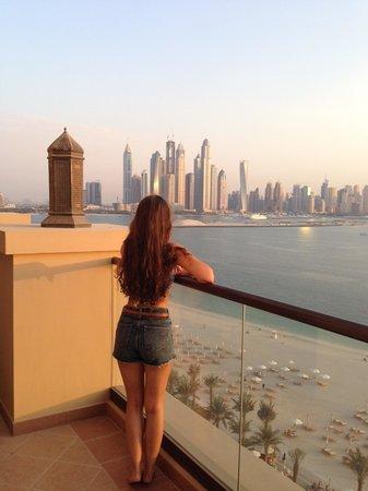 Fairmont The Palm, Dubai: Der Ausblick vom Balkon
