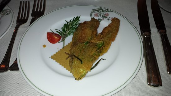 Bovio : Good but heavy amuse, a fried, filled zucchini flower