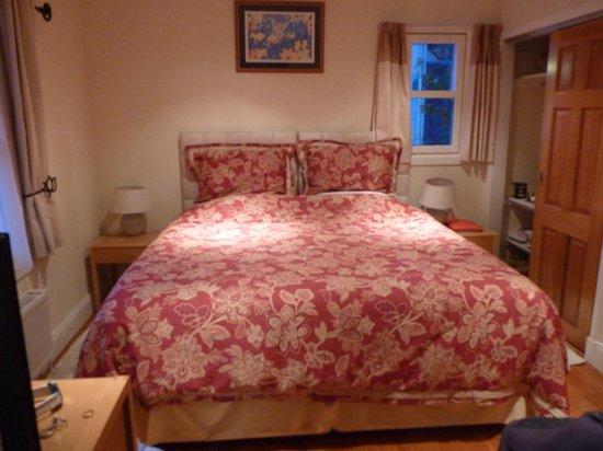 Six Pines Bed & Breakfast: dormitorio