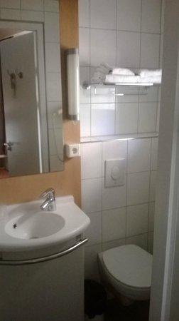 Ibis Amsterdam Centre : Salle de bains