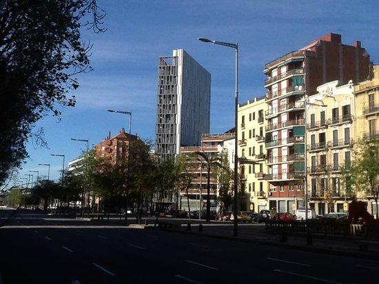 Vue depuis la chambre picture of barcelona urbany hostel for Chambre barcelona