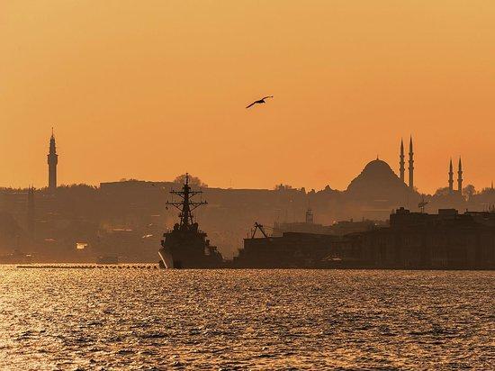 Historic Areas of Istanbul : Стамбул на закате дня