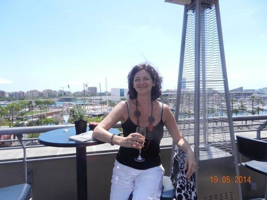 Hotel Duquesa de Cardona: Cava on the roof terrace