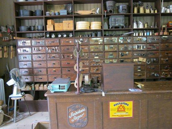 Freilichtmuseum Skansen: Kleineisenwarenhandlung von damals