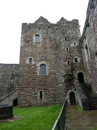 Doune Castle: Courtyard