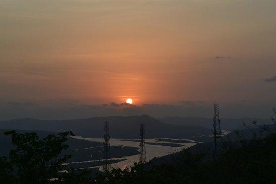 Dongarmatha : Sunset view over Vasishthi