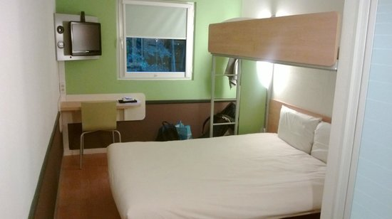 Ibis Budget Amsterdam Airport : Chambre