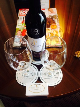 Lyrath Estate Hotel & Spa: Complimentary wine and chocolates