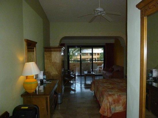 Grand Palladium Colonial Resort & Spa: Habitacion