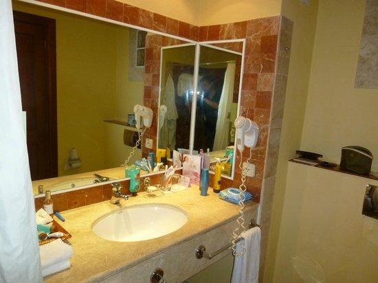 Grand Palladium Colonial Resort & Spa: Baño