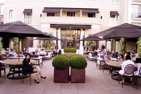 Hotel Granvia: Terraza