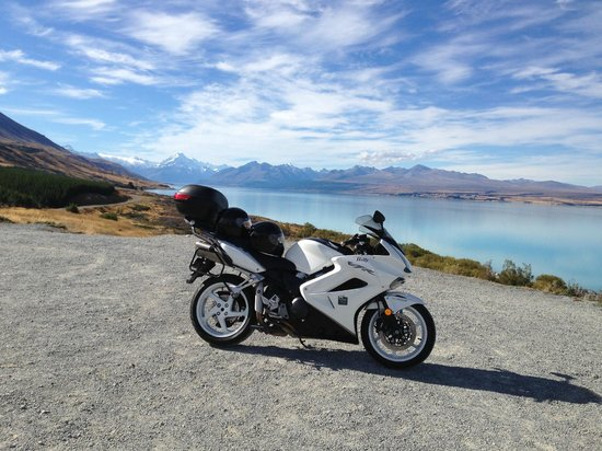 South Pacific Motorcycle Tours - Day Tours: Honda VFR 800 on Southern Alps tour