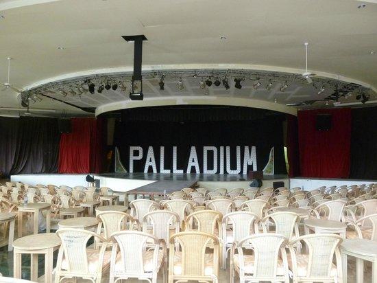 Grand Palladium Colonial Resort & Spa: Teatro Colonial